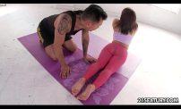 หนุ่มไทยควยโตสักลายเท่ๆจัดหนักเมียเจ้านายสาวฝรั่งโดนควยใหญ่ยาวลีลาเสียวๆเข้าไปติดใจเลย หนุ่มไทยควยโตสักลายเท่ๆจัดหนักเมียเจ้านายสาวฝรั่งโดนควยใหญ่ยาวลีลาเสียวจนต้องร้องขอชีวิตๆเข้าไปติดใจเลย